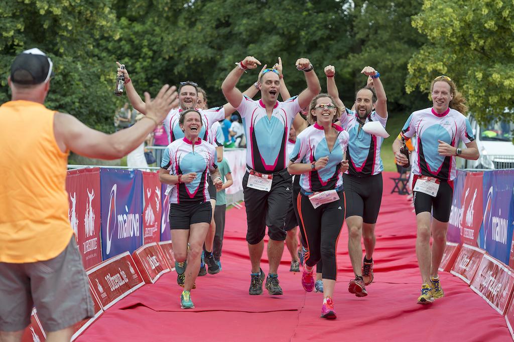 10 Freunde Team Triathlon Pressebild 2 groß