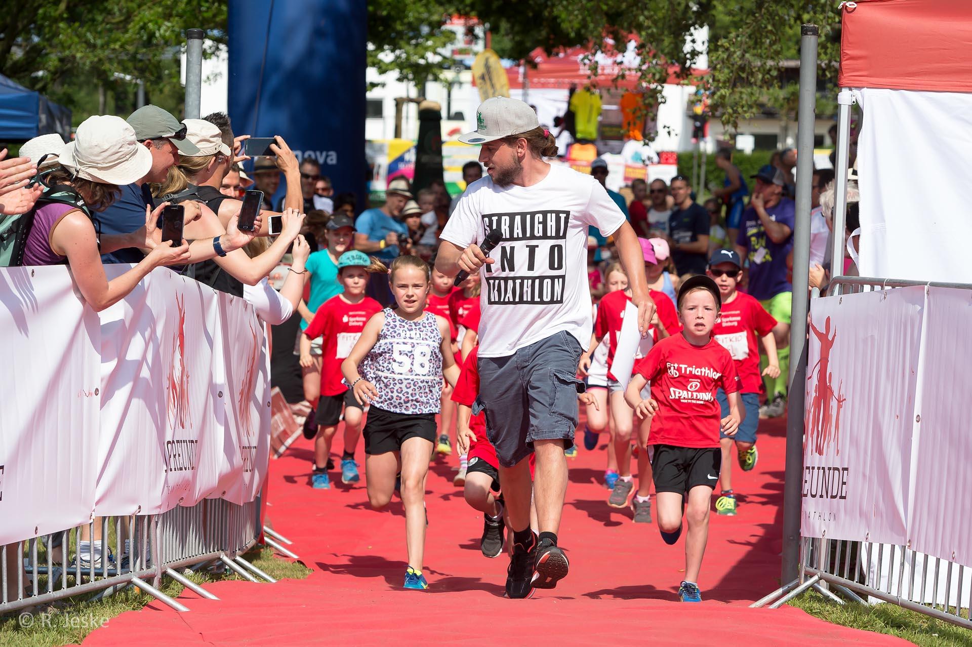 Veranstalter Henning Müller beim 10 Freunde Triathlon