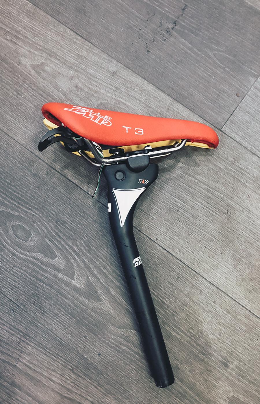Die Profile Design Sattelstütze mit einem Testsattel. Gut zu sehen: Der Winkel von 78 Grad für die Aeroposition.