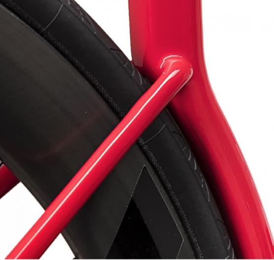 Die 28mm Reifen von Continental lassen keinen Platz für Wind. / Bildquelle: 3T