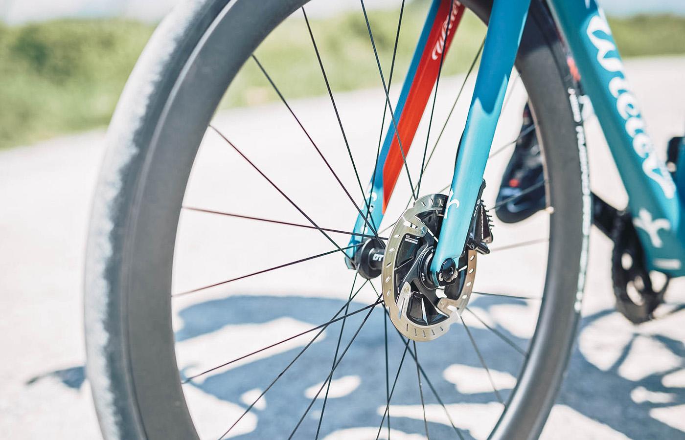 hydraulische Scheibenbremsen sorgen für punktgenaues Anhalten / Bildquelle: Wilier Triestina
