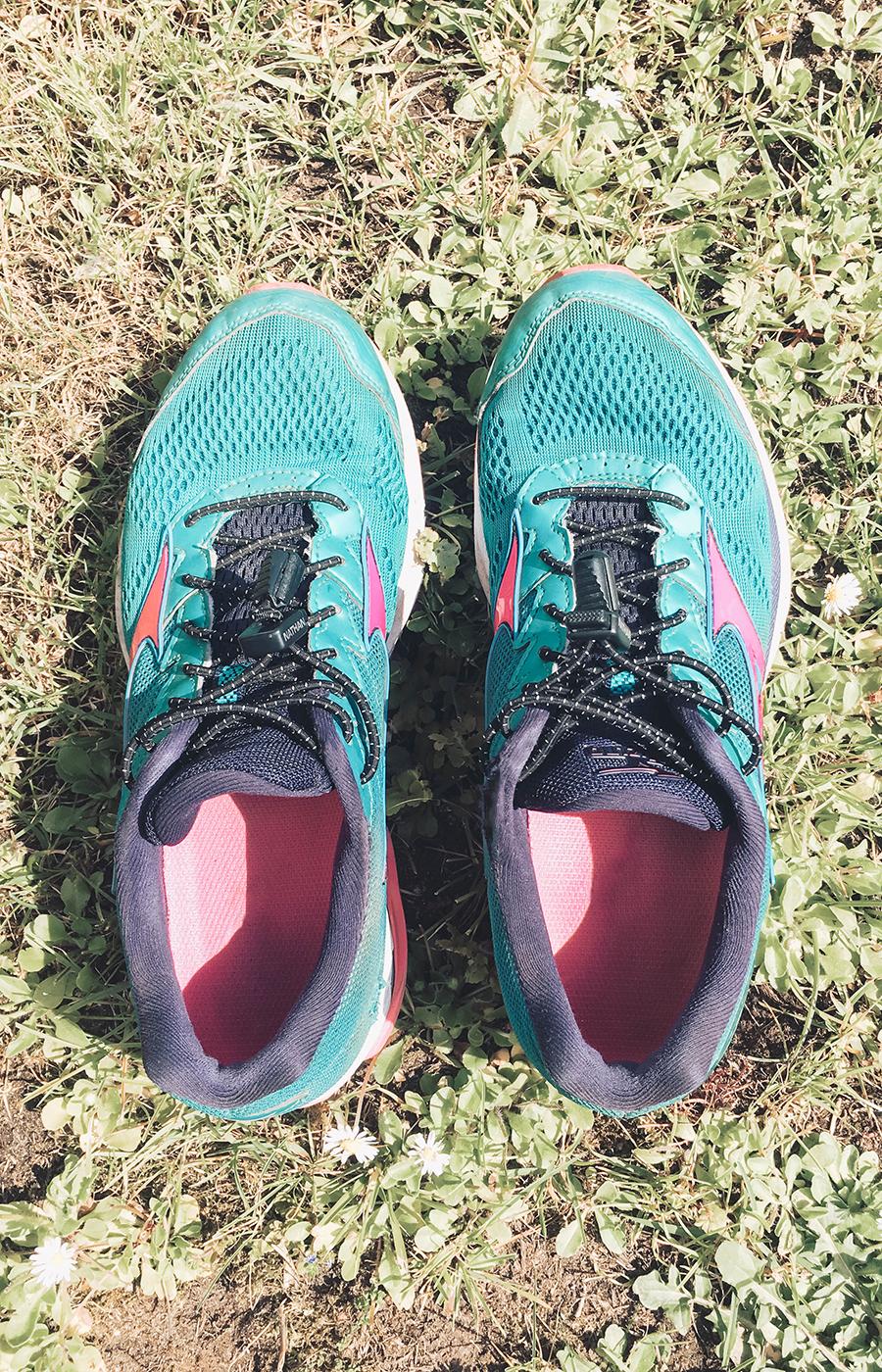 Turnschuhe mit Gummischnürsenkeln sparen euch Zeit