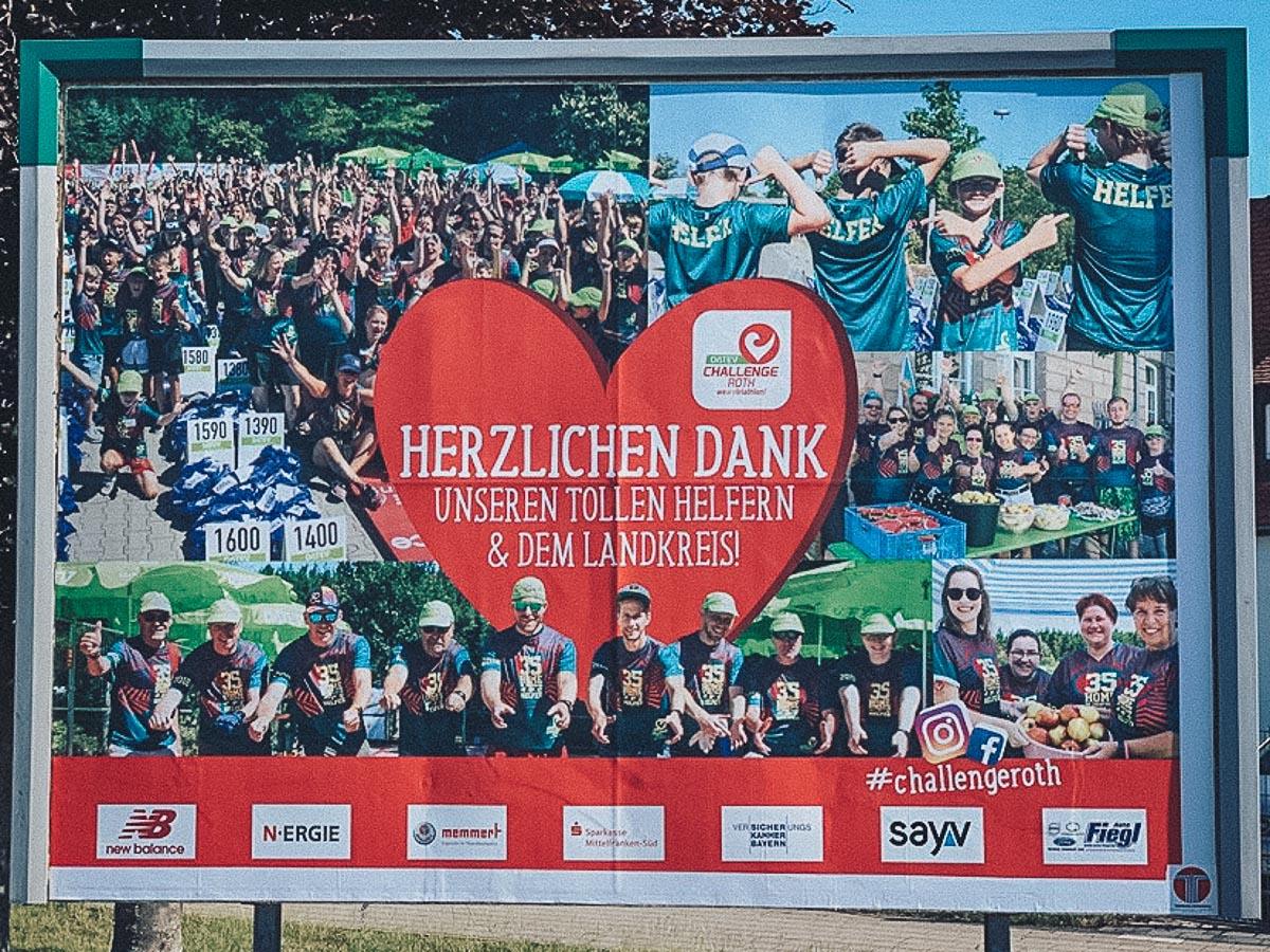 ziert die Straßen von Roth: das Danke-Plakat für Helfer