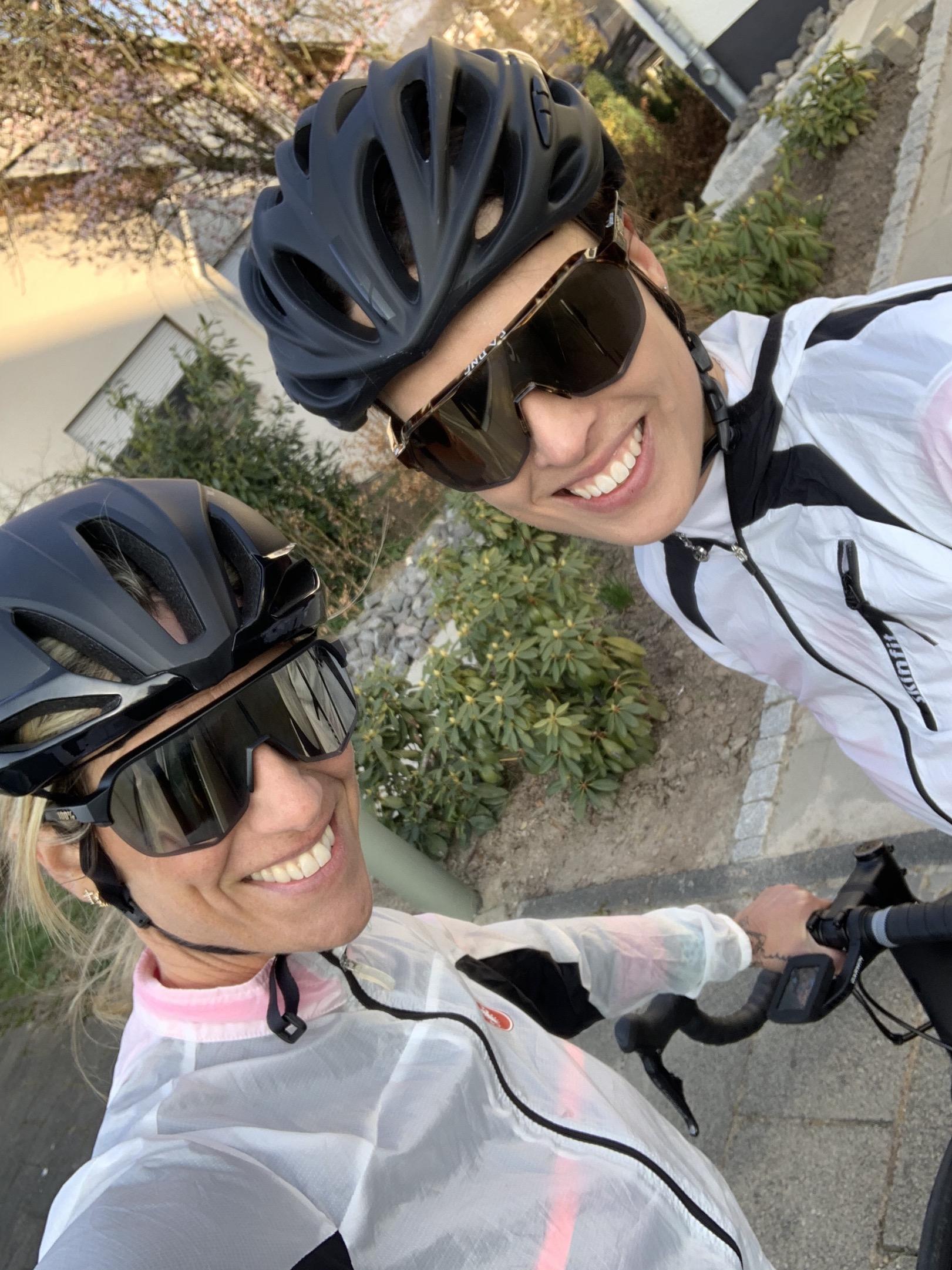 Gemeinsam statt einsam trainieren - danke an meine Freundin Nine Boller für die schöne Ausfahrt